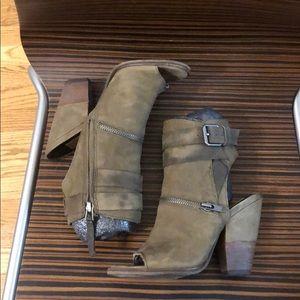 Dolce Vita Size 5.5 Peep Toe Booties